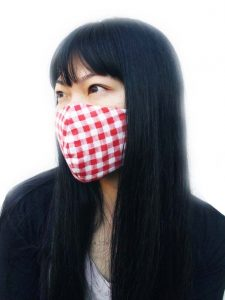 ふわふわWガーゼ立体マスク チェック着用写真